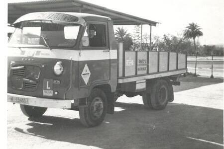 historia-autoescuela-san-francisco-camion-pequeno